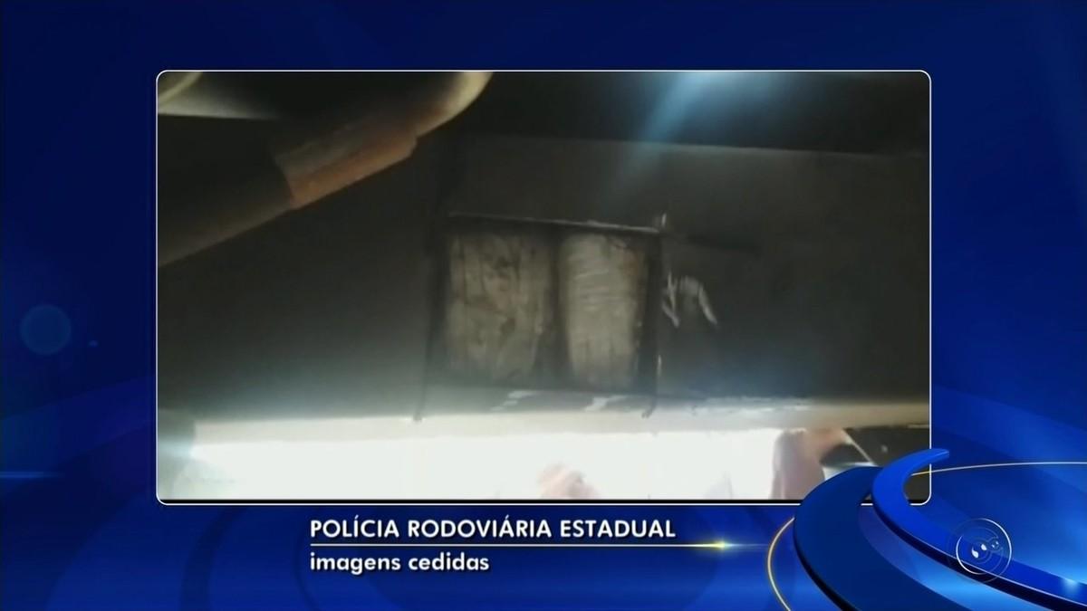 Polícia apreende pasta base de cocaína em caminhão-guincho parado em rodovia