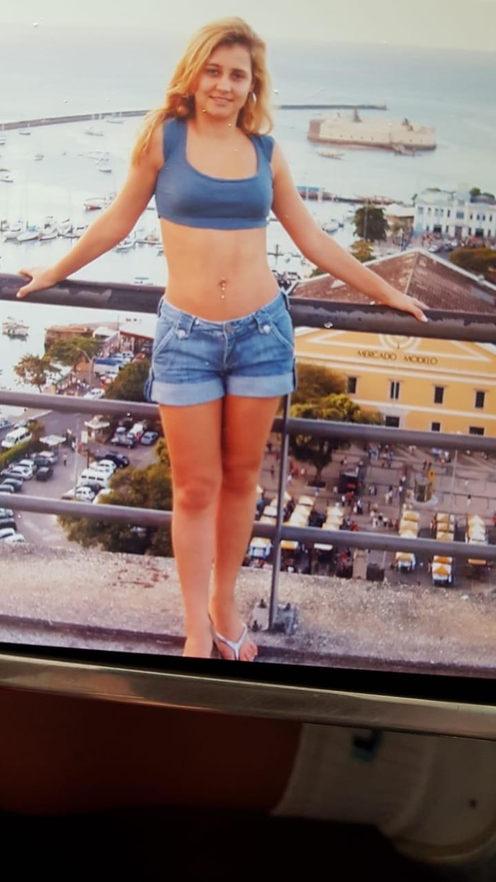 Milla diz que tomava laxante sempre que ia para eventos aos 16 anos (Foto: Arquivo pessoal)
