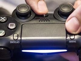 Fim do PS4? Sony deve revelar o PlayStation 5 em breve; saiba (Controles desgastados são um dos problemas dos PS4 usados (Foto: Reprodução/Murilo Molina))