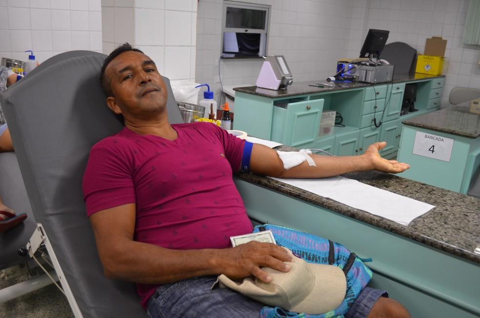 Carpinteiro José Maria Pantoja, de 53 anos, doador de sangue (Foto: Jorge Abreu/G1)