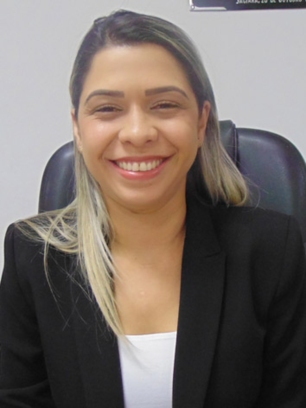 A vereadora Edilaine Martins (PSB) foi secretária-adjunta de saúde do ex-prefeito e votou contra as contas dele (Foto: Câmara de Jaciara/Divulgação)