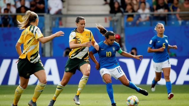 Marta em ação pelo Brasil contra a Austrália