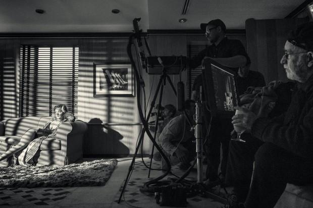 Gigi Hadid no Hotel Carlyle em Nova York (Foto: Calendário Pirelli)