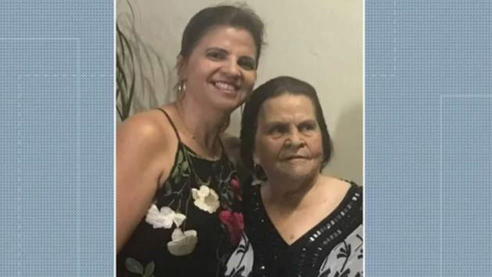 Roseane e Maria Dalva, filha e mãe, de Guarabira, na Paraíba — Foto: Reprodução/TV Cabo Branco