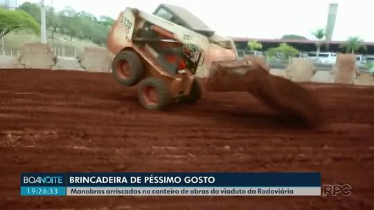 Vídeo mostra operário fazendo manobras com pá carregadeira em canteiro de obra pública de Londrina