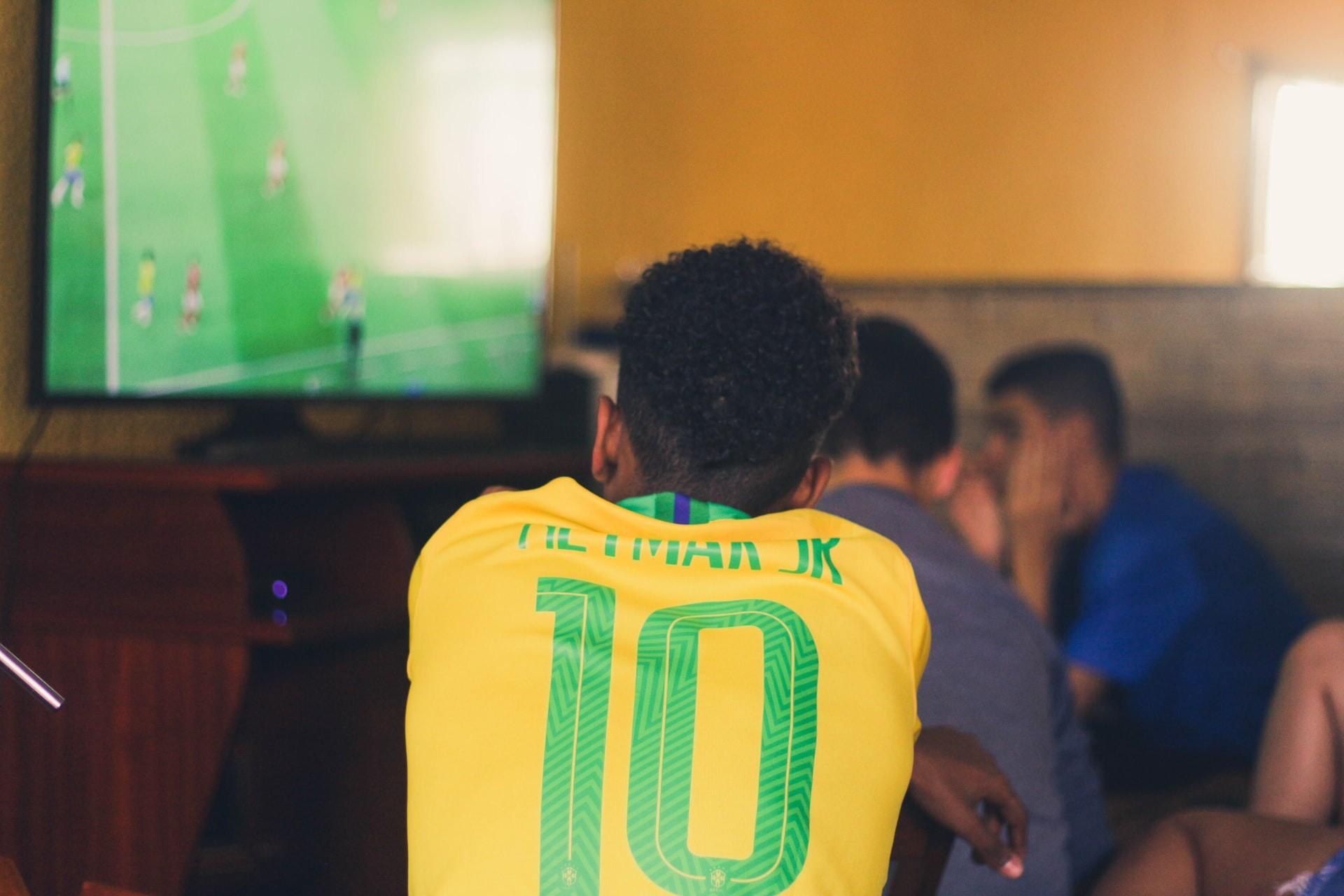 Brasil joga pela medalha de ouro no futebol olímpico; entre no clima e faça a sua própria trave