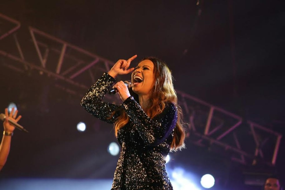 Solange Almeida adia show em Rio Branco (Foto: Jonas Santos)