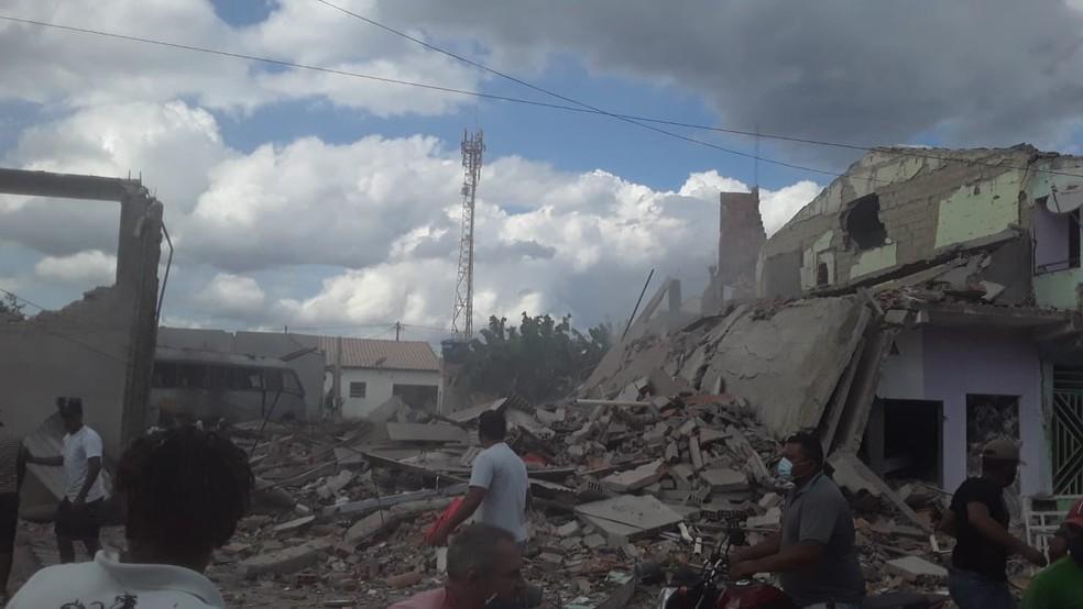 Casa de venda de fogos de artifício explode e deixa ao menos 10 feridos em Crisópolis na Bahia — Foto: Redes Sociais