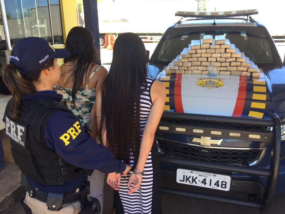 Ao todo, foram mais de 4 toneladas de drogas apreendidas (Foto: PRF/Divulgação)