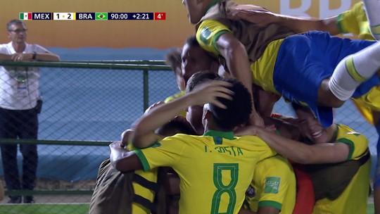 """Craque do Mundial Sub-17, Gabriel Veron é elogiado no Palmeiras: """"O país inteiro fala"""", diz Mano"""