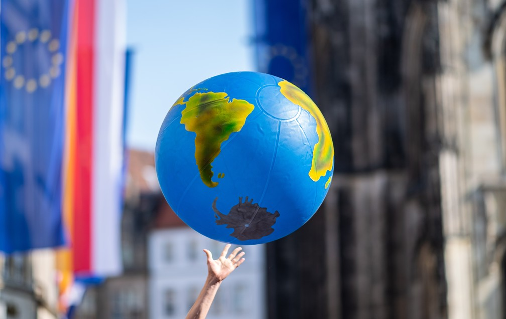 000 1gu9ml - Estudantes vão às ruas para o segundo protesto global contra a mudança climática