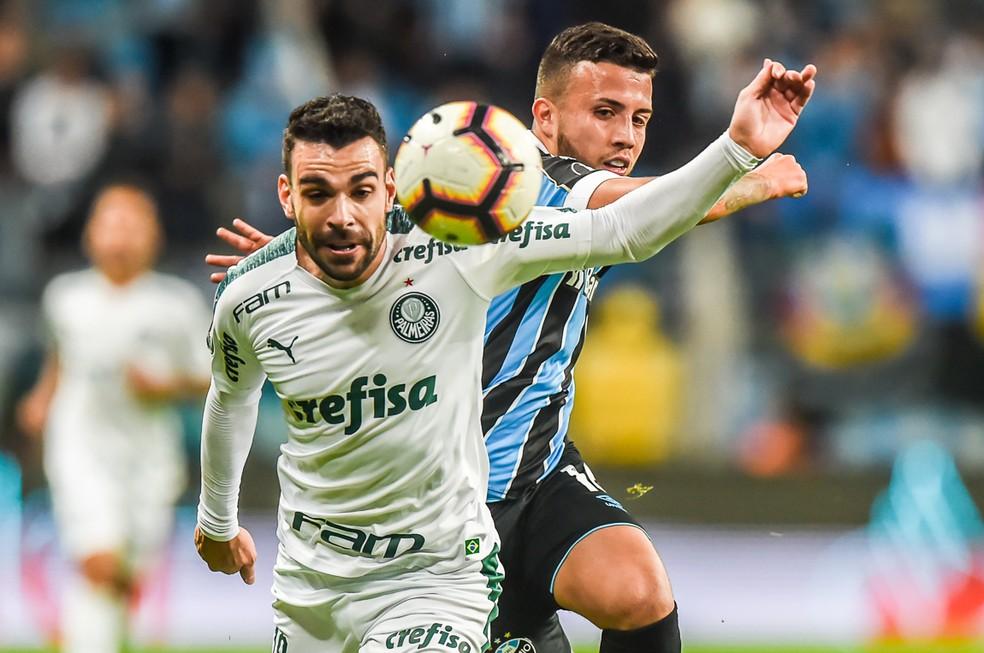 """Grêmio e Palmeiras fizeram duelo """"pegado"""" na Arena — Foto: Vinícius Costa/BP Filmes"""
