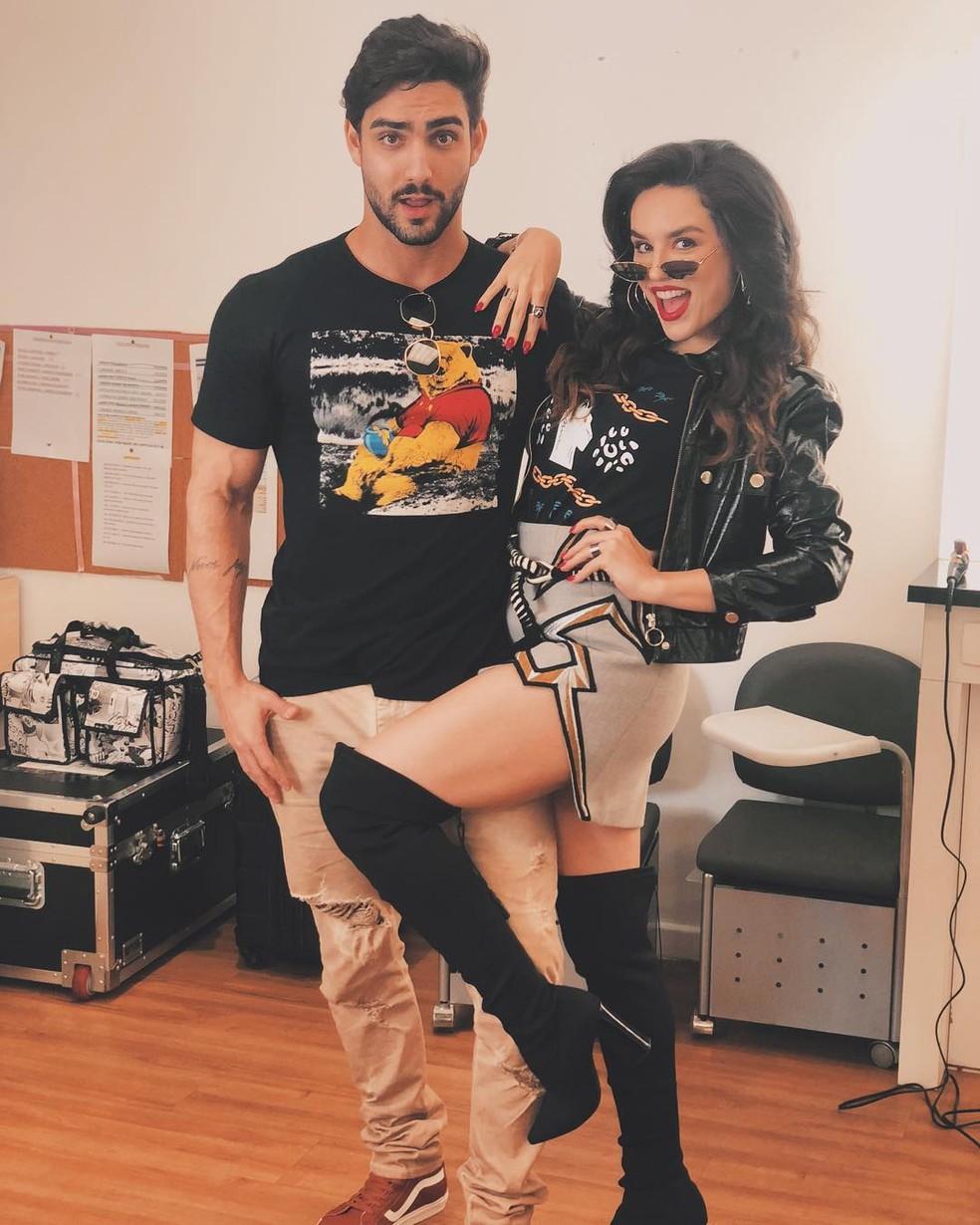 Atriz recebeu o namorado nos bastidores da gravação de 'Espelho da Vida', nos Estúdios Globo — Foto: Arquivo Pessoal