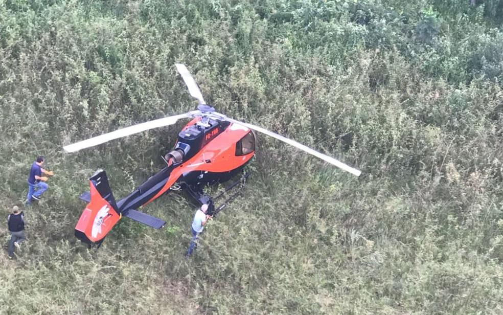 Helicóptero usado em ataque a Gegê do Mangue foi achado em área de mata de Fernandópolis, no interior de SP (Foto: Divulgação)