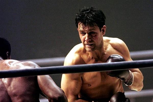 O ator Russell Crowe em cena do drama biográfico Luta pela Esperança (2005) (Foto: Reprodução)
