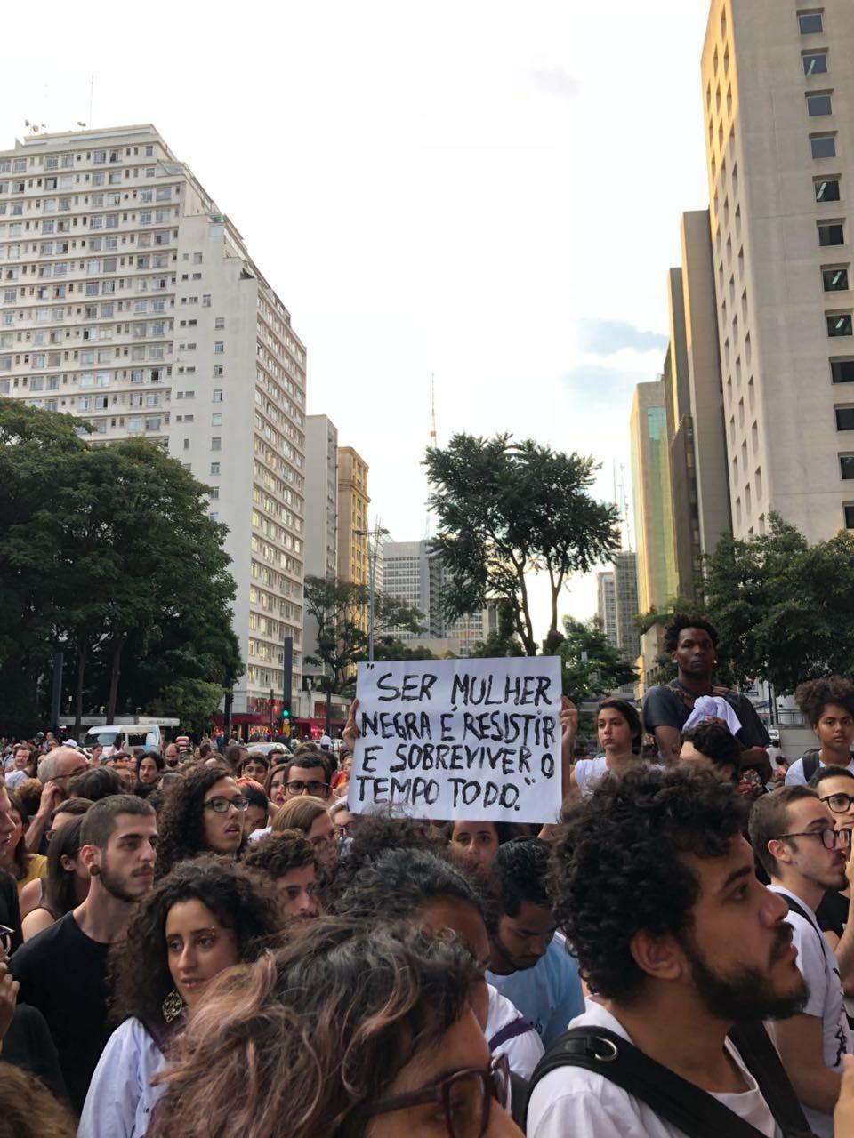 Manifestação na Avenida Paulista (Foto: Vogue Brasil)