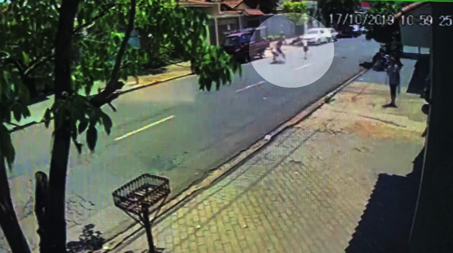 Homem é atropelado por motociclista na zona Norte de Ribeirão Preto; veja vídeo - Notícias - Plantão Diário