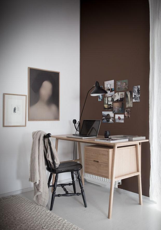Décor do dia: escritório é reformado com tons de marrom (Foto: Divulgação / My Scandnavian Home)