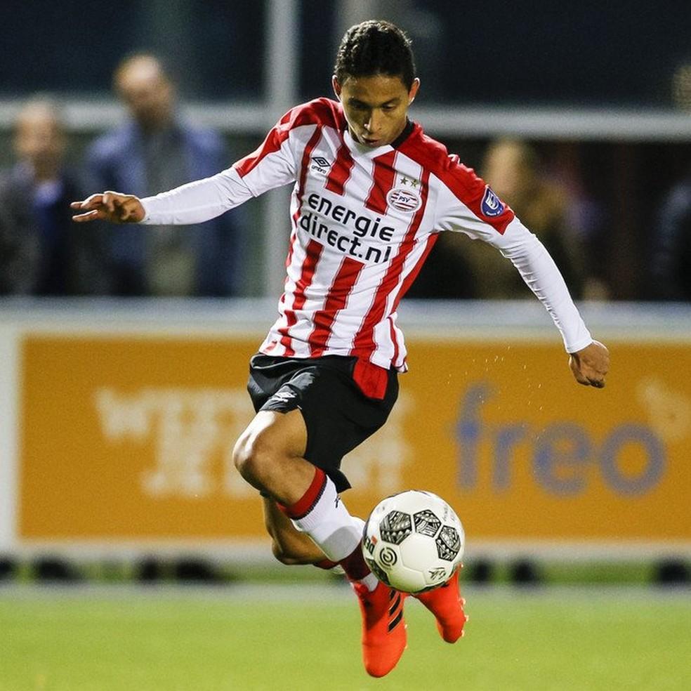 Brasileiro de 18 anos do PSV sonha repetir sucesso de Romário e ... 4ea5285b56ad6