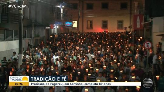'Procissão do Fogaréu' reúne milhares de fiéis em Serrinha, na região de Feira