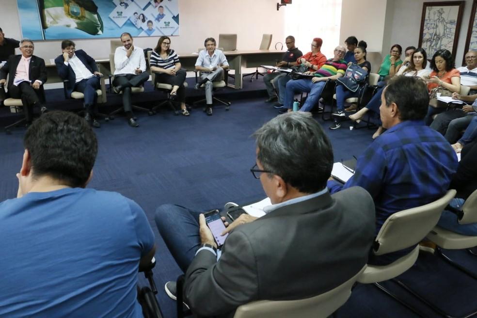 Calendário de pagamento de 2020 foi anunciado durante reunião com o Fórum de Servidores — Foto: Ivanízio Ramos/Secom