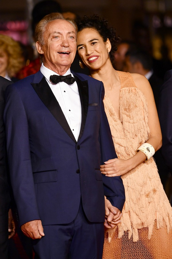 "CANNES, FRANCE - MAY 15: Udo Kier and Barbara Colen attend the screening of ""Bacurau"" during the 72nd annual Cannes Film Festival on May 15, 2019 in Cannes, France. (Photo by Dominique Charriau/WireImage) (Foto: WireImage)"
