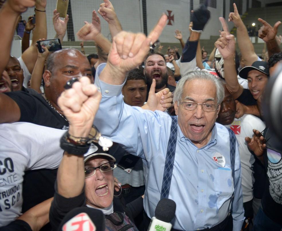 Eurico comemora a vitória no pleito cruz-maltino (Foto: André Durão / GloboEsporte.com)
