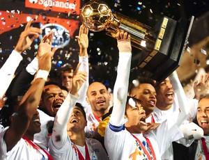Santos Campeão, Santos e Universidad (Foto: Marcos Ribolli / Globoesporte.com)