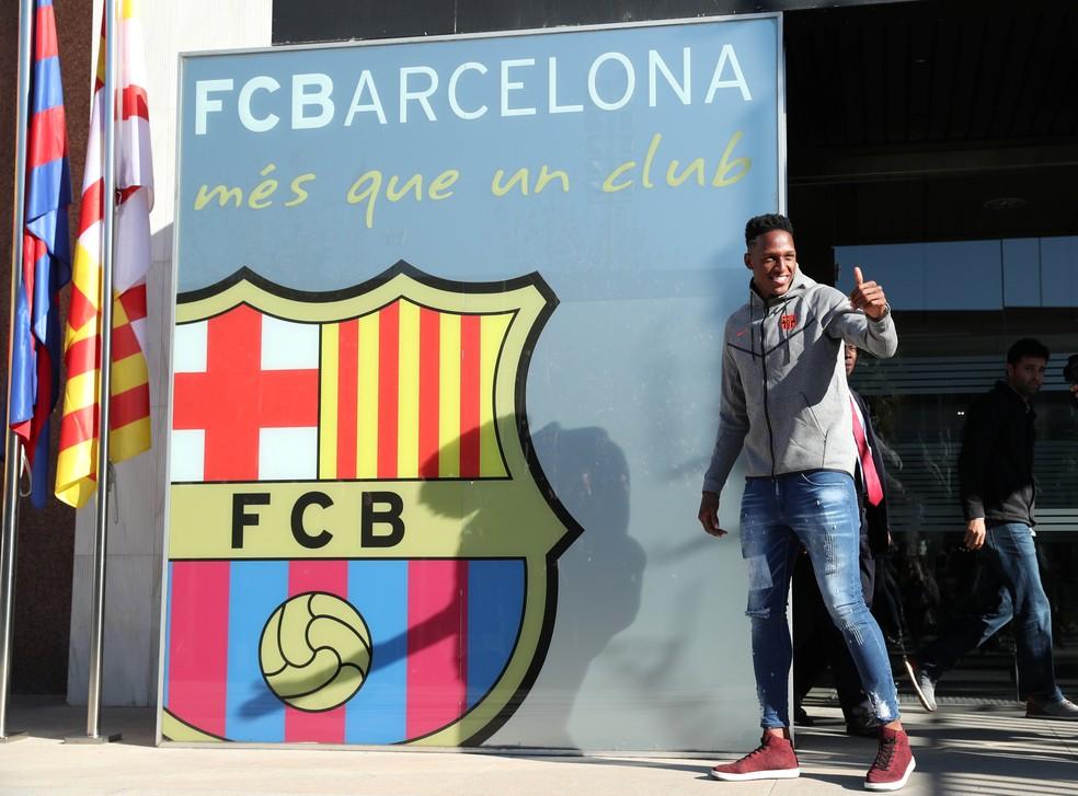 Yerry Mina Barcelona (Foto: Albert Gea / Reuters)