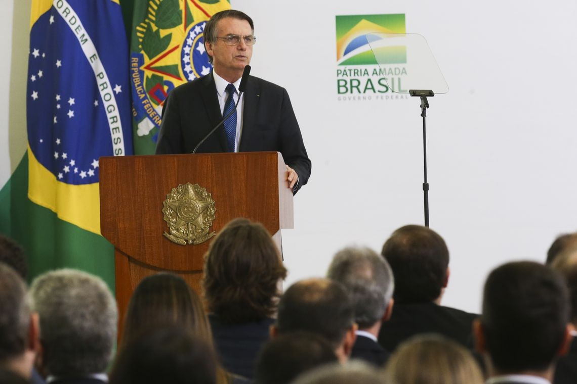Bolsonaro assina decreto para converter multas ambientais em ações de recuperação do meio ambiente
