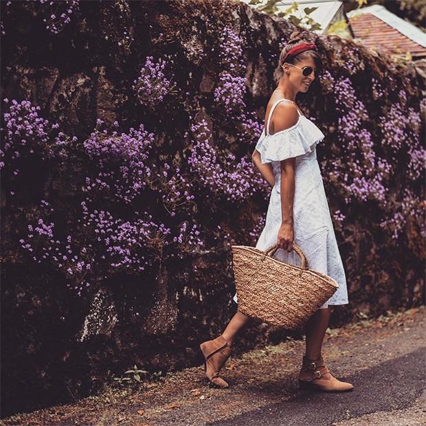 O vestido branco da Next é uma sensação entre as fashionistas (Foto: Instagram / Wendy Gilmore)