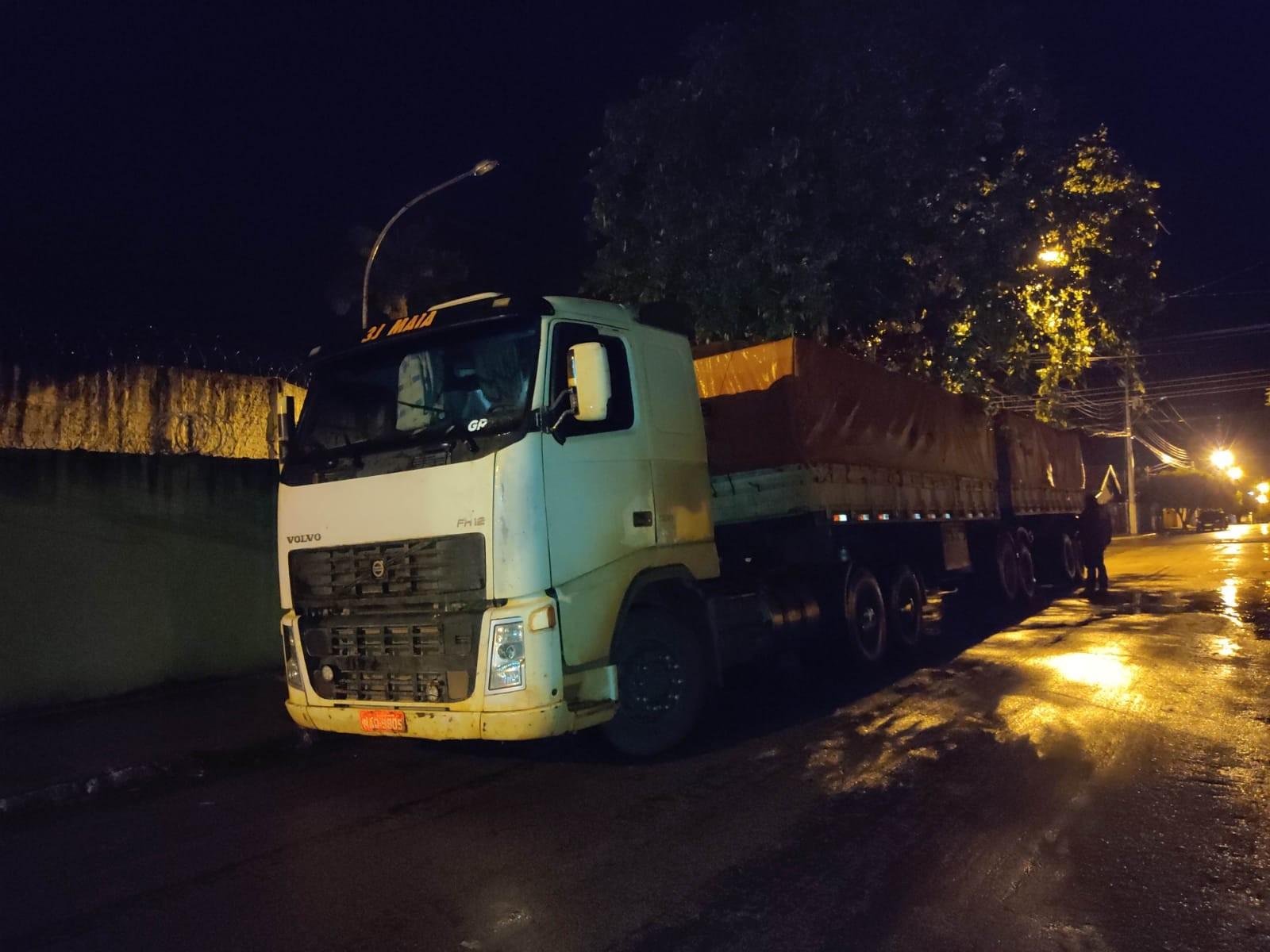 Motorista de carreta é preso em flagrante por participação em roubo de carga de soja em MT