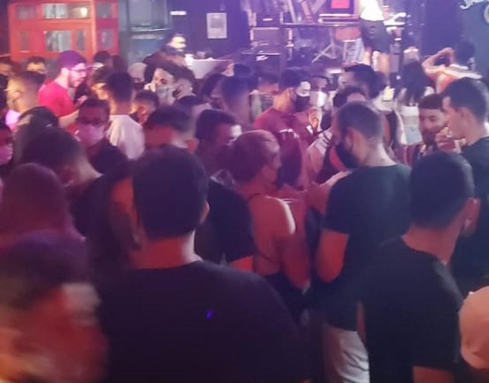 Estabelecimento no Bairro do Recife foi interditado pelo Procon, que constatou aglomeração de pessoas na madrugada deste sábado (5) — Foto: Procon-PE/Divulgação