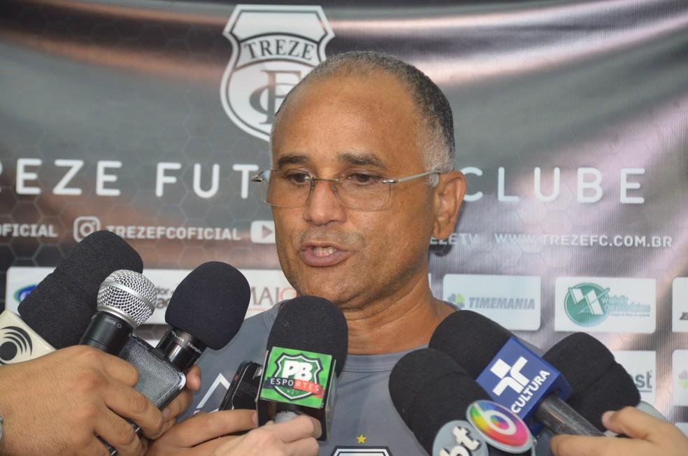 Oliveira Canindé deve mandar time alternativo no jogo de domingo, contra o Nacional de Patos (Foto: Silas Batista / GloboEsporte.com)
