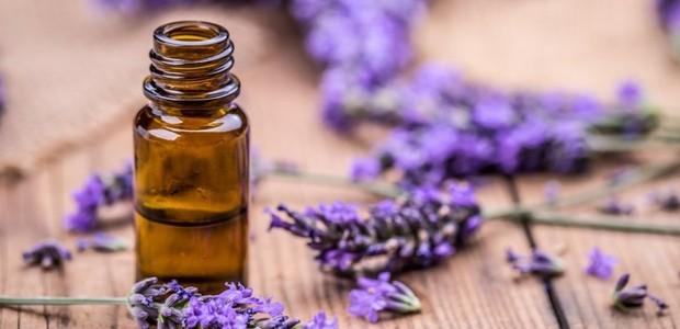 Os óleos essenciais também podem fazer parte de tratamentos psciológicos (Foto: Getty Images)