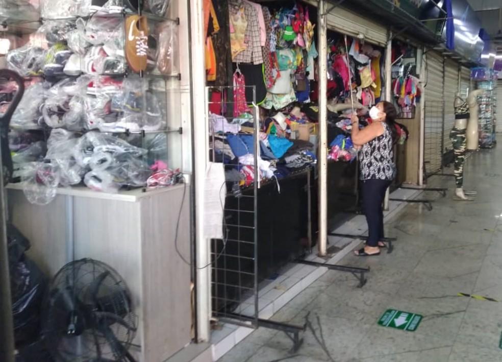 Comércio varejista em Goiânia — Foto: Bruno Mendes/TV Anhanguera