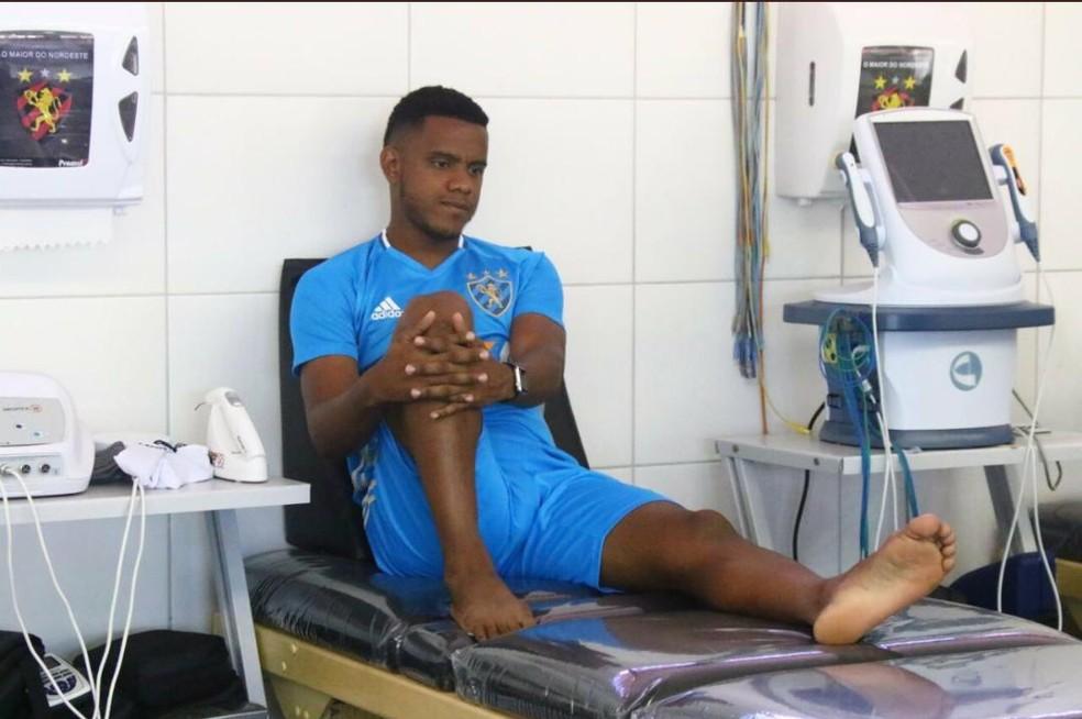 Rithely sentiu novamente as dores no tornozelo esquerdo (Foto: Williams Aguiar (Assessoria do Sport))