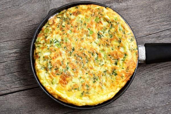 O omelete é um bom substituto para o pão no café da manhã (Foto: Thinkstock)