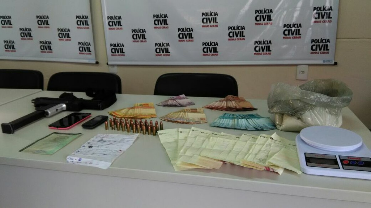 Padrasto e enteado são detidos por suspeita de envolvimento com tráfico de drogas em Divinópolis