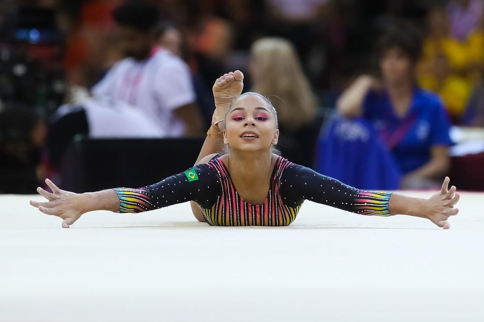 Flávia Saraiva levou o Brasil ao top 10 no Mundial de Doha — Foto: Ricardo Bufolin/CBG
