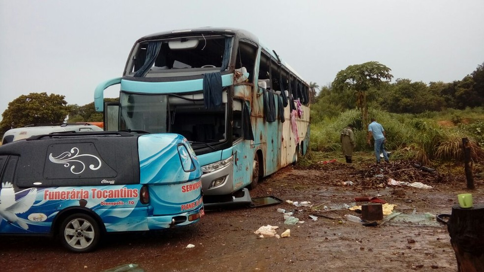 Sete pessoas morreram após ônibus capotar na TO-040  (Foto: Divulgação)