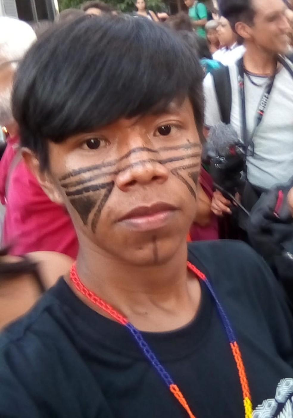 Rogério relata as dificuldades em ser indígena e gay dentro e fora das aldeias  — Foto: Arquivo pessoal