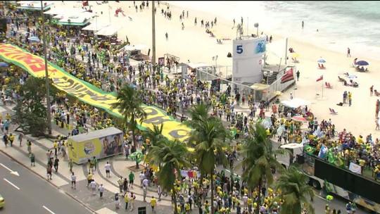 Manifestantes fazem ato a favor de Jair Bolsonaro em várias cidades brasileiras