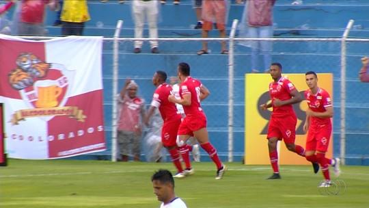 Titular de última hora, Saulo exalta vitória na estreia pelo Vila