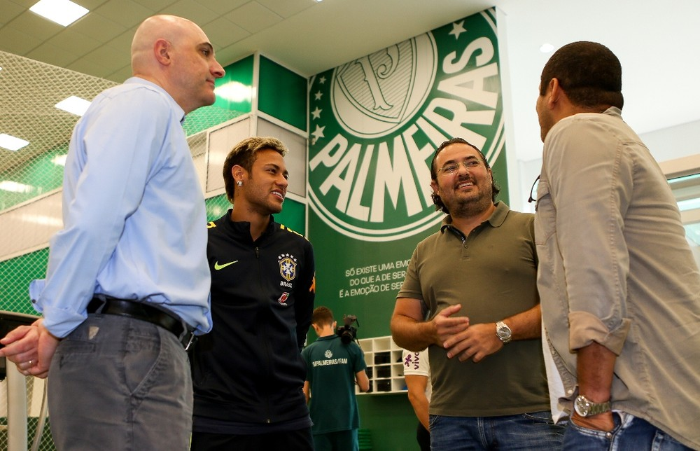 Negócio arriscado faz Palmeiras blindar nome de possível reforço