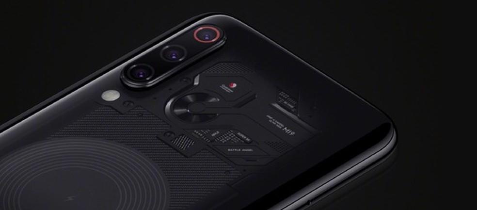 O Mi 9 Transparent Edition tem corpo transparente — Foto: Divulgação/ Xiaomi
