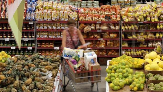 consumo, mercado, alimentos, cesta básica, inflação (Foto: Paulo Whitaker/reuters)