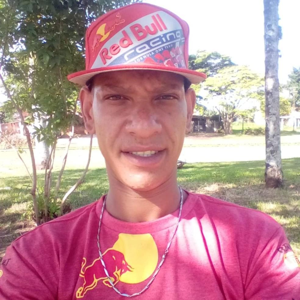 Juliano morreu após ser atropelado por um veículo na Rodovia Comandante João Ribeiro de Barros  — Foto: Arquivo pessoal