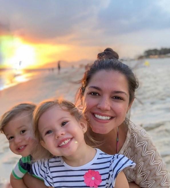 Thais Fersoza e os filhos (Foto: Reprodução Instagram)