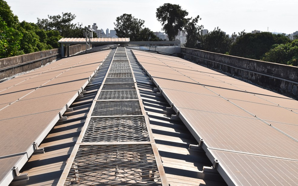 Energia fotovoltaica abastece um dos prédios da UFG em Goiânia (Foto: Vanessa Martins/G1)